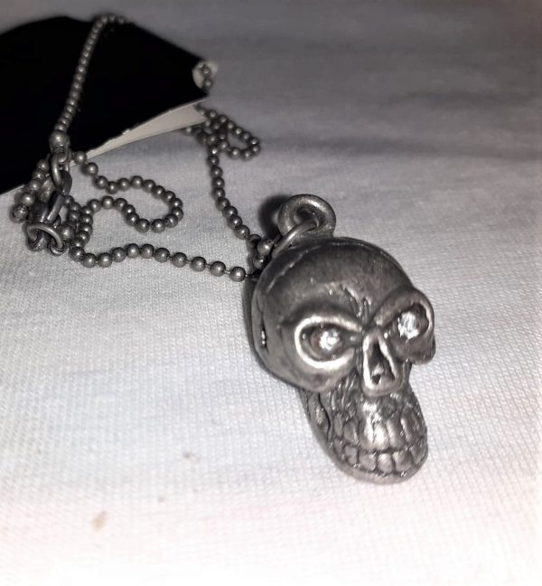 skull diamond eyes