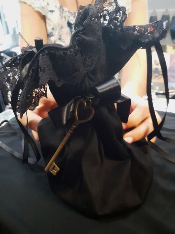 ladies pouch gothic 2